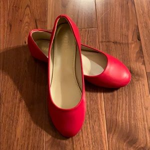 Ollio Red Leather Flat Size 6